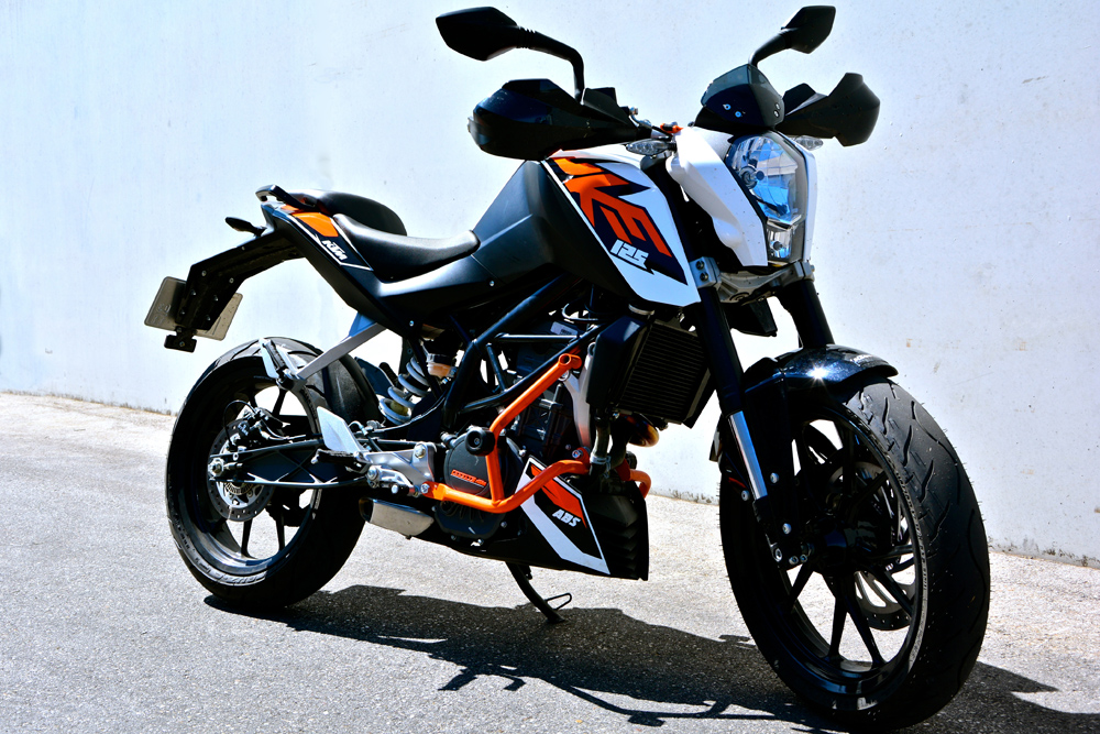 KTM Duke Front