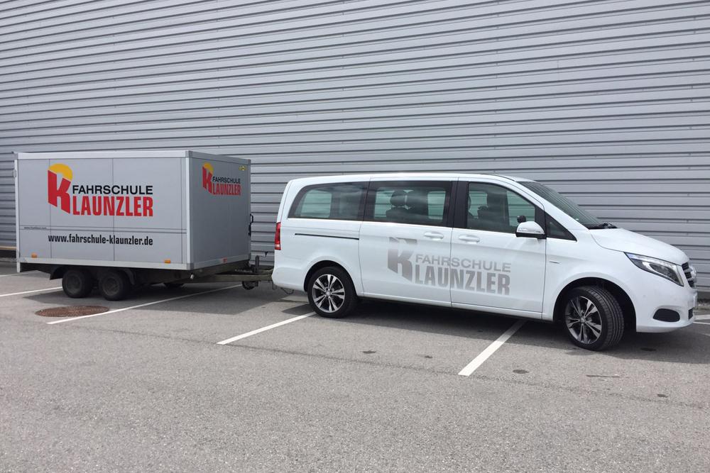 Mercedes GLK mit Anhaenger